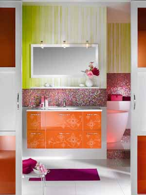 Contemporary bathroom decorating ideas bright purple and pink for Orange and purple walls
