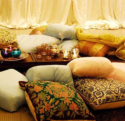 decorative cushions on the floor for aracian nights theme party decoration