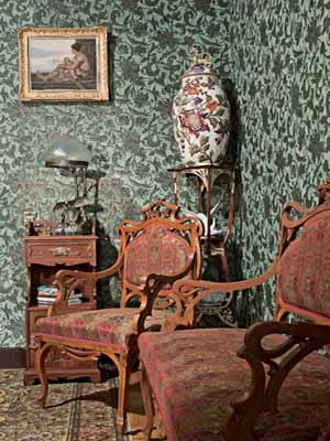 interior-decorating-art-nouveau-furniture-floral-designs