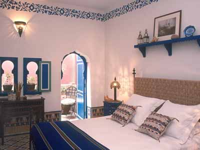 moroccan-interior-decorating-blue-bedroom-colors
