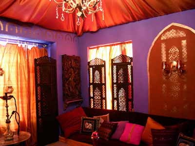 Exotic Moroccan Bedroom Decorating, Light and Deep Purple Colors
