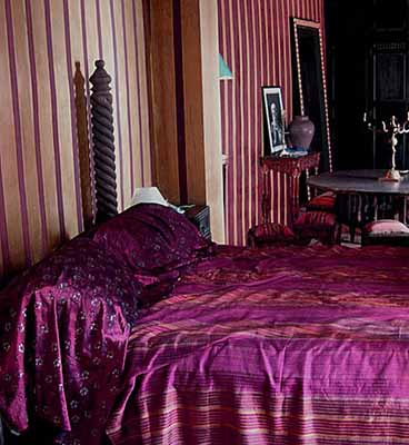 Exotic Moroccan Bedroom Decorating Light And Deep Purple