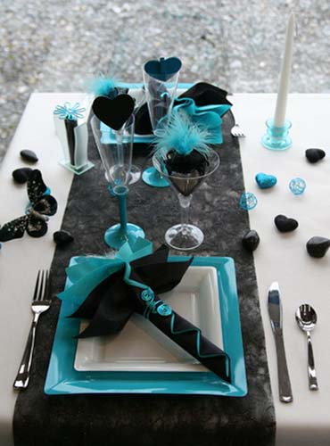 black and turquoise colors and romantic party table decoration ideas & Feathers and Hearts Dinner Table Decorations Black and Turquoise Colors