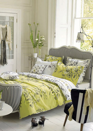 Bedroom Decor Yellow with flowers and yellow upholstery are modern fall decorating