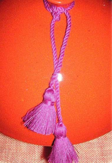 tassels and handmade table decorations in pink color