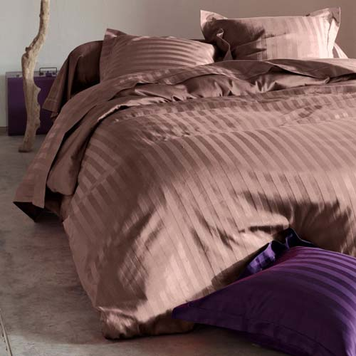 modern bed sets in plam and brown color