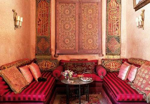 Moroccan furniture decorating fabrics and materials for - Decoracion arabe interiores ...