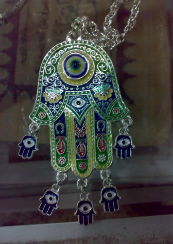 moroccan-decorations-glass-metal-amulet-morocco-decor