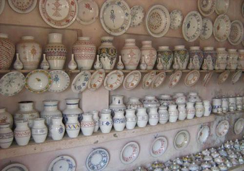 moroccan-style-ceramic-tableware-vases-plates