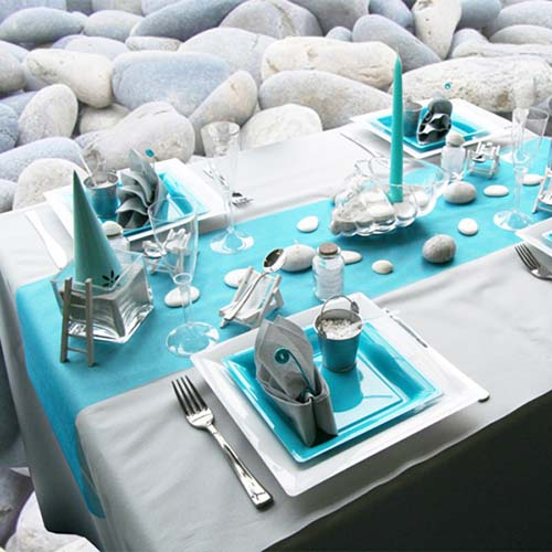 Beach stones garden pebbles and glass beads blended with decorative turquoise stones are perfect dinner table centerpiece ideas that bring pleasant gray ... & Beach Pebbles Table Decoration in White and Turquoise Colors