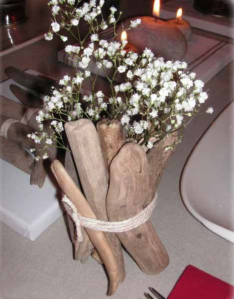 driftwood craft ideas are excellent for flower arrangement and table centerpiece ideas