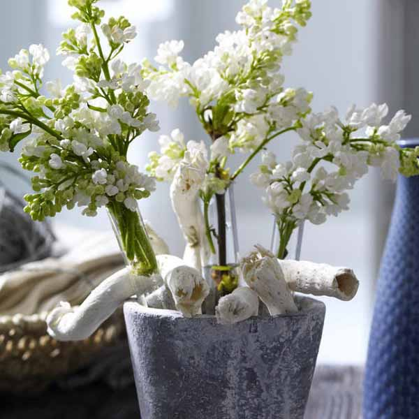 driftwood craft ideas for flower arrangement and table centerpieces