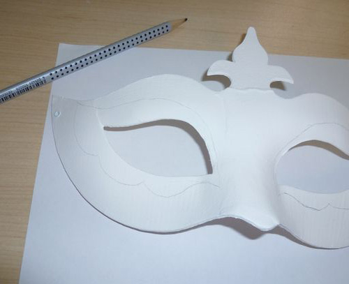 craft ideas for decorating masks venetian style
