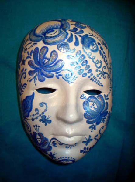 masquerade mask decorated with blue painting and creative craft ideas for wall decoration