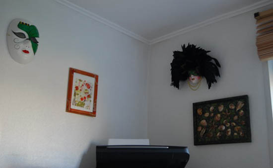 Contemporary Wall Decor Ideas: Modern Wall Decoration With Venetian Masks Made For A