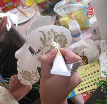 painting and decorating masquerade masks for men and women are great crafts for making decorations