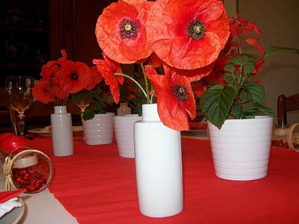 red poppy flowers for table decorating ideas