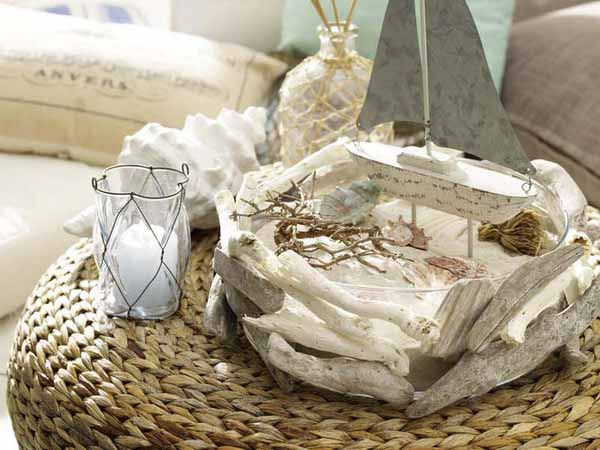 seashell and driftwood crafts for creative table decoration in eco style