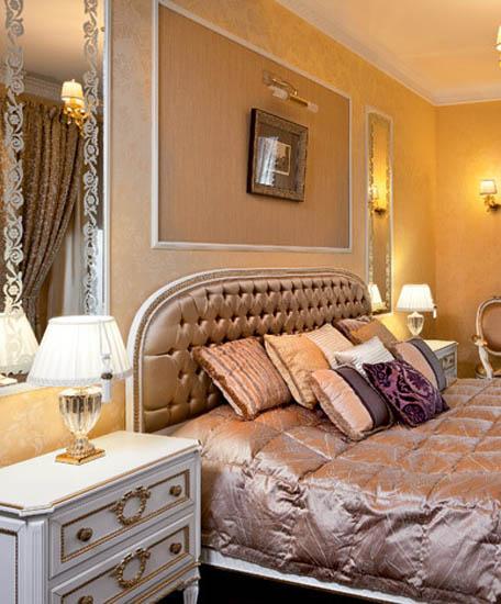 Modern room decor traditional home decorating style - Dormitorios dorados ...