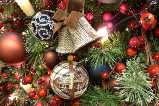 christmas tree decorations made of warm fabric