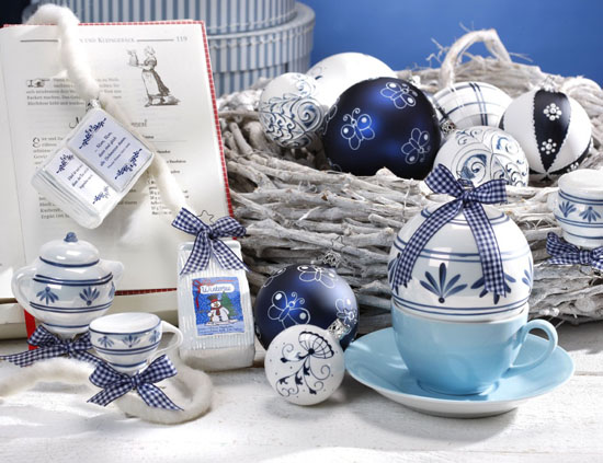 white and blue christmas decorations