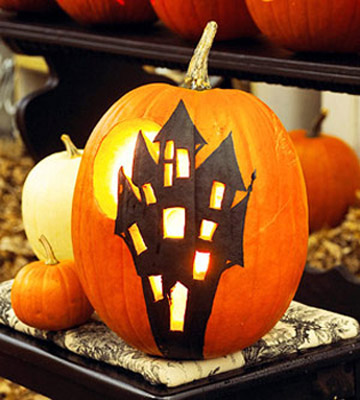 Place the carved pumpkins on a walkway or driveway displaying your friendly and cheerful Halloween decoration that delights people. & Halloween Decorating with Pumpkins Halloween Home and Yard Decorations