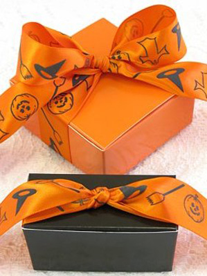 halloween decorations and ideas for gift boxes, inspired by orange pumpkins