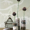 dried flower centerpiece ideas and table decorations made with small rocks or beach pebbles