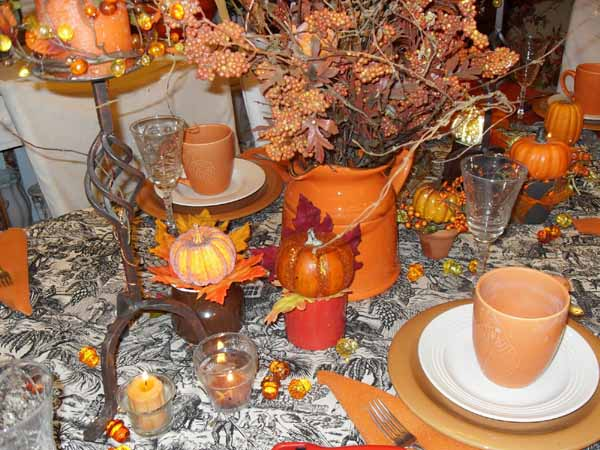 bright fall ideas and holiday decorations for thanksgiving table decor