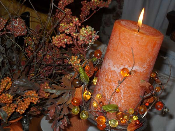 orange candles centerpieces for thanksgiving table decoration