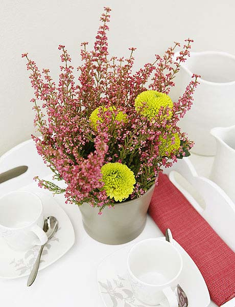 pink heather flower arrangement for table decoration