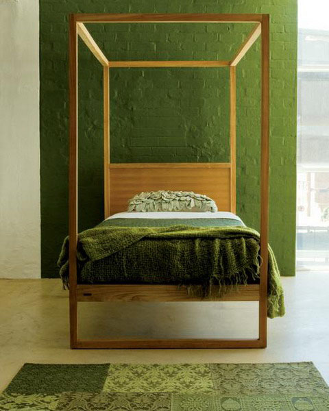 green wall paint color and bedding for bedroom decorating