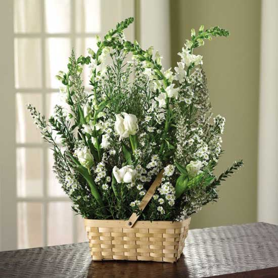 green and white heather flower centerpiece and home decorating ideas
