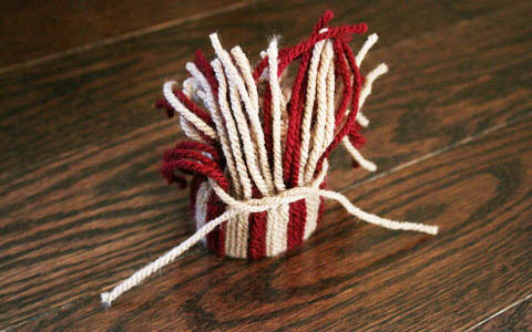 christmas tree decorations made of yarn