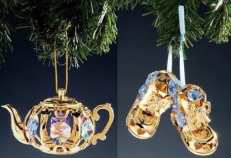 purplish blue and golden yellow decorations for christmas tree