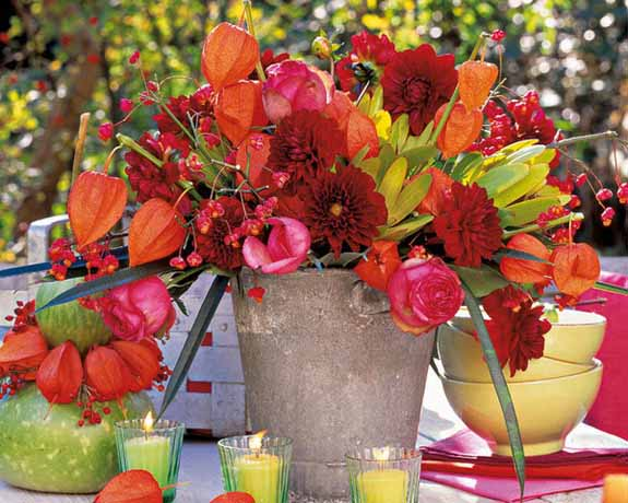 chinese lantern plants and roses for thanksgiving table decorating