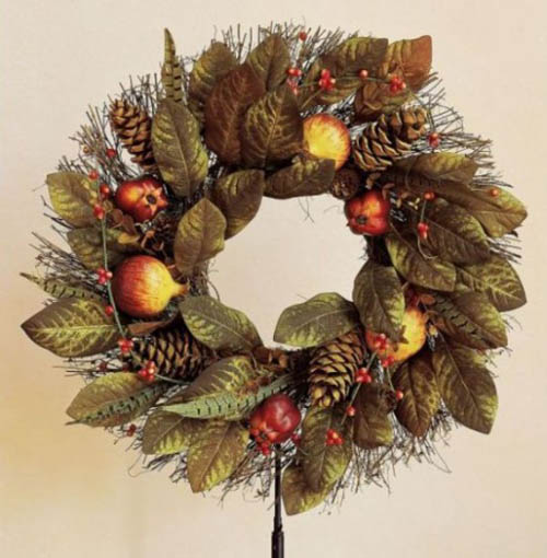 wall or door wreath with apples and pine cones