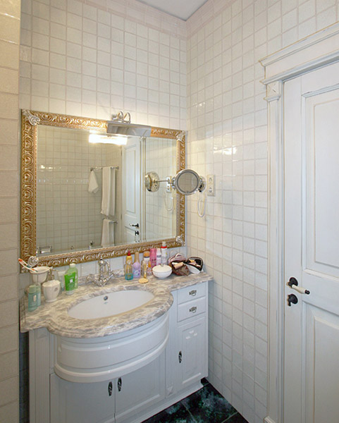 Charming Small Rooms, Single Woman Apartment Ideas on Bathroom Ideas Apartment  id=51775