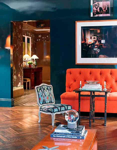 Reddish orange interior decorating ideas color trends 2012 for Decorating with the color orange
