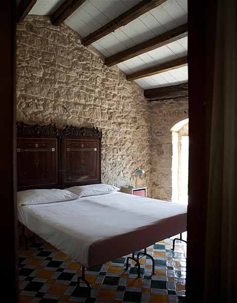 sicilian house and bedroom decor