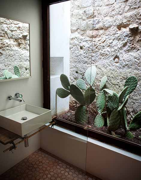 bathroom design in sicilian house