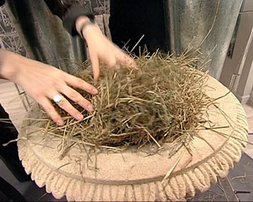 hay for decorating dining table