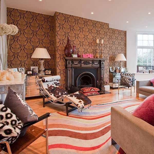 living room design in eclectic style