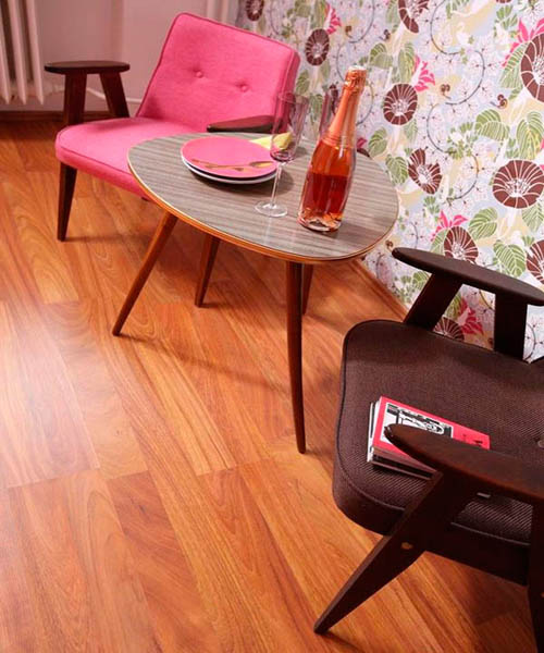 vintage furniture, chairs in broqn and pink colors