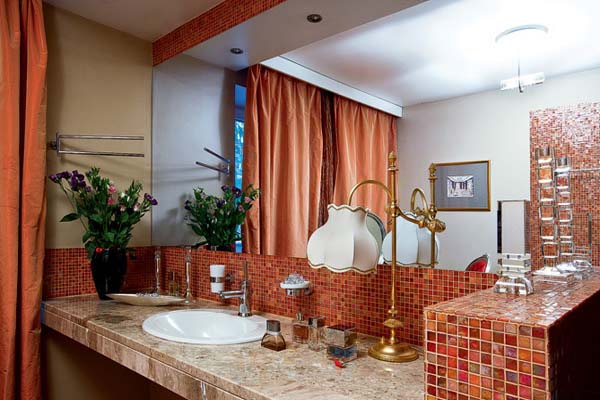 bathroom decorating with orange color