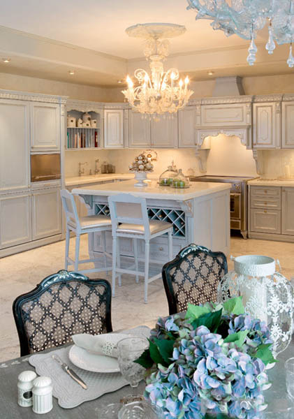 white kitchen and dining room decorating