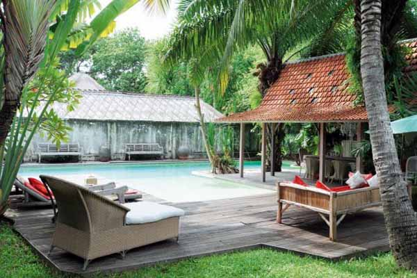 outdoor pool and garden in balinese decor