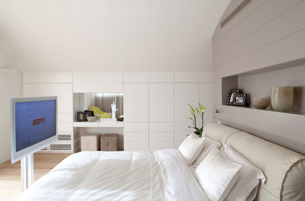 white color for bedroom decorating