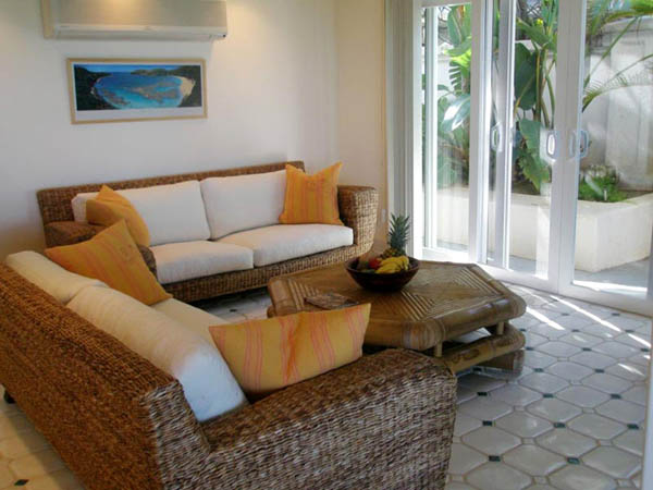Home Decoration Themes: 20 Tropical Home Decorating Ideas, Charming Hawaiian Decor