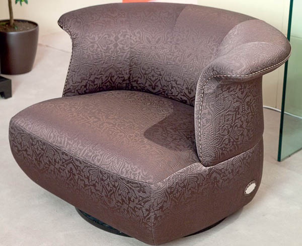 unique furniture living room sofa in purple color from fendi casa